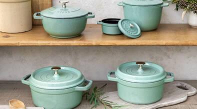 フランス製鋳物ホーロー鍋「ストウブ」に、新色セージグリーンが登場!