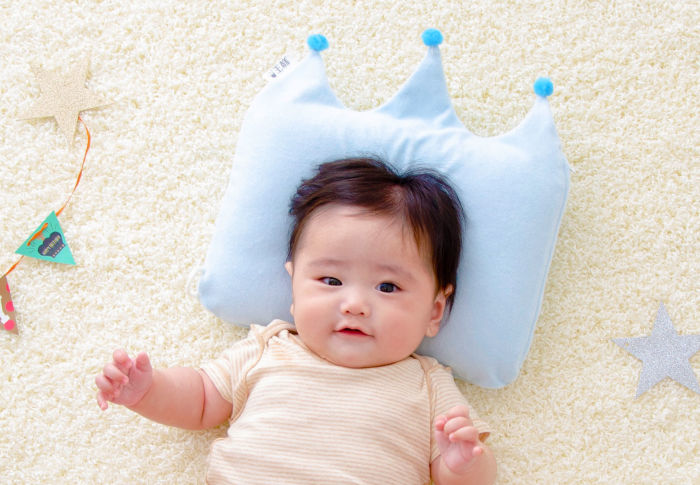 写真撮りた~い!まるで王冠みたいなベビー枕「王様のベビー枕」が、今ならクーポン利用でモニター価格に!