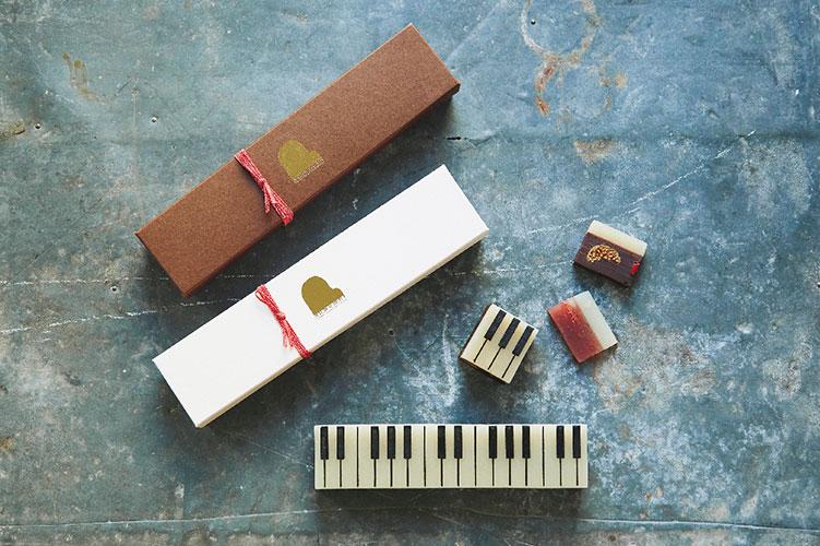 ピアノ風の形がかわいい大人向けのようかん、「ジャズ羊羹」の冬季限定味が予約受付中!