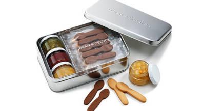 weeksdays×DEAN&DELUCAのコラボギフト缶が本日よりDEAN&DELUCA全店舗で発売開始。スプーン型のクッキーがかわいい。