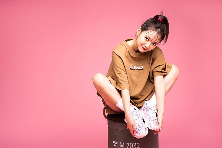 ミズノ×MILKFED.のコラボシューズが本日(3/27)発売!小花柄が華やかガーリー<i class=