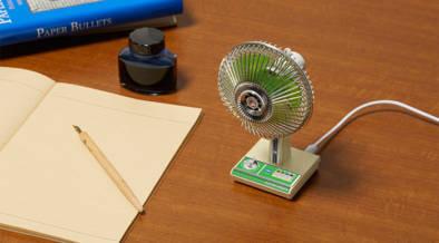 ザ・昭和なデザインのミニチュア扇風機。こう見えてちゃんと動きます!
