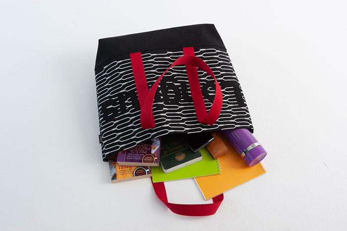 エヴァンゲリオン公式アパレルブランド「RADIO EVA」の10周年記念ムック本が発売決定。特別付録は限定トートバッグ、来年公開の映画情報も!